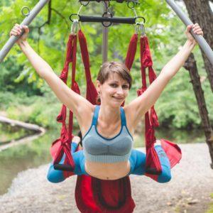 outdoors-river-yoga-swing-renata-01287