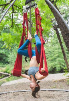 outdoors-river-yoga-swing-renata-01310