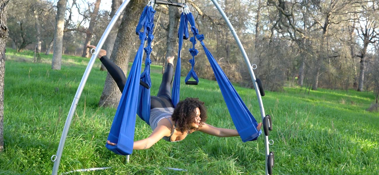 Swing Yoga Empower Yourself With Aerial Yoga Yoga