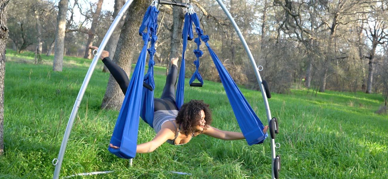 outdoor-aerial-yoga-swing-03